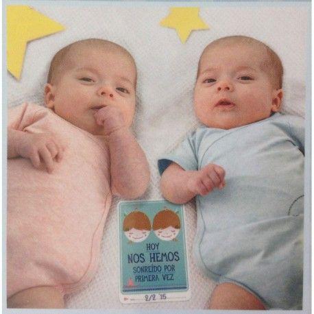 Tarjeta Milestone gemelos. Y llegaron dos...Con esta caja de Milestone edición gemelos, podrás recordar los mejores momentos de tus gemelos o mellizos.
