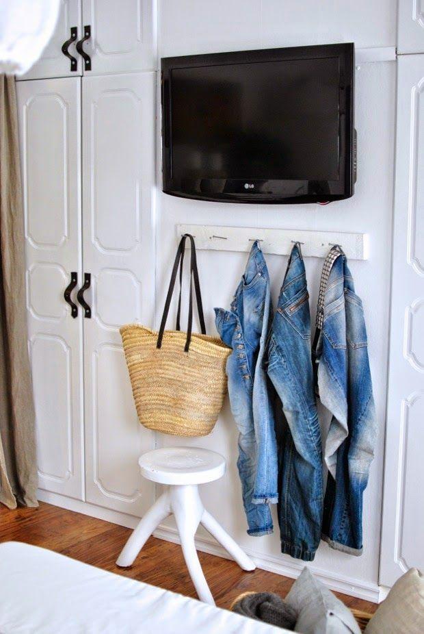 HANNAS: sovrumsrenovering - pannplåt - på - väggen