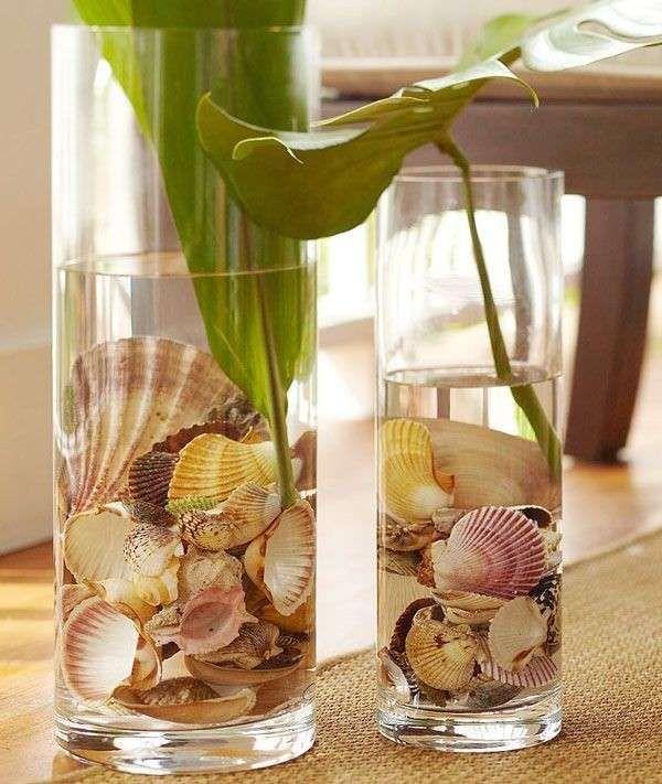 Decorazioni con le conchiglie - Vasi con piante e conchiglie