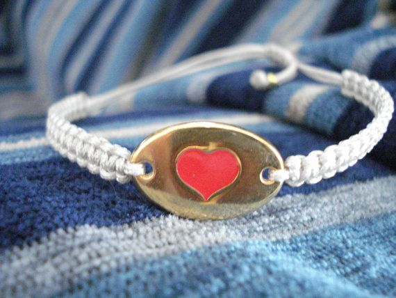 Gold heart bracelet Love jewelry Friendship bracelet by Poppyg