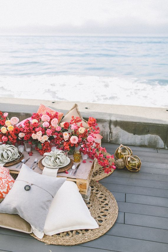 Coastal red and pink wedding ideas | Photo by Anna Delores Photography | Florals by Stella Bloom | Event design by  Love Inc Weddings | Read more -  http://www.100layercake.com/blog/?p=71280