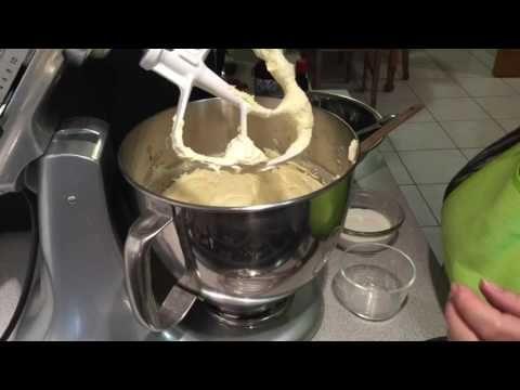Meus Bolinhos de Amora e Mirtilos ( my Blueberry and Rasberry Muffins ) - YouTube