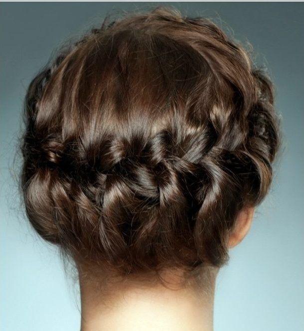 Flechtfrisuren 2018 Alle Mode Frisuren Frisuren Damen Mittellange Haare Frisuren Einfach Frisur Oktoberfest Kurze Haare Geflochtene Frisuren