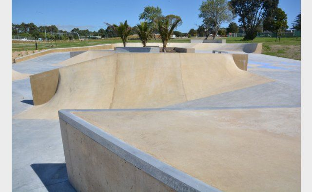 Peter Fell Coloured Concrete | Waterbank Crescent Skatepark and BMX Track