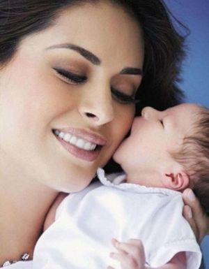 Fotos de Galilea Montijo y su bebé Mateo.
