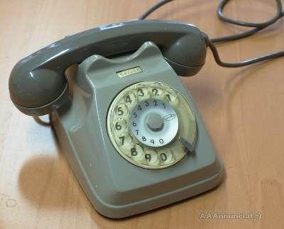 Telefono fisso a disco SIP  Telefono Bigrigio Siemens S62 prodotto per la SIP (1962/1993)