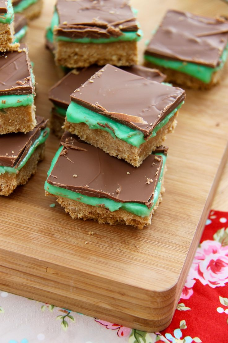 Now, this has always been one of my favourite things to eat EVER since I can remember. We had it every now and again at my Junior School as dessert and it was my one of my utter favourites (Other than on Friday's where we had cookies & milkshake, thats just insanely amazing)! But since I was little I have endeavoured to recreate the delicious biscuity, minty, chocolatey, scrumptious dessert that made me obsessed with baking. I would even always tease my friends throughout High School because…