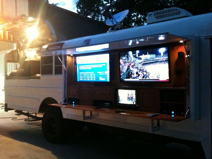 Photos Of The Extreme Tailgating Bus After Its Completion Imagimotive Mobile BusinessParty BusFood