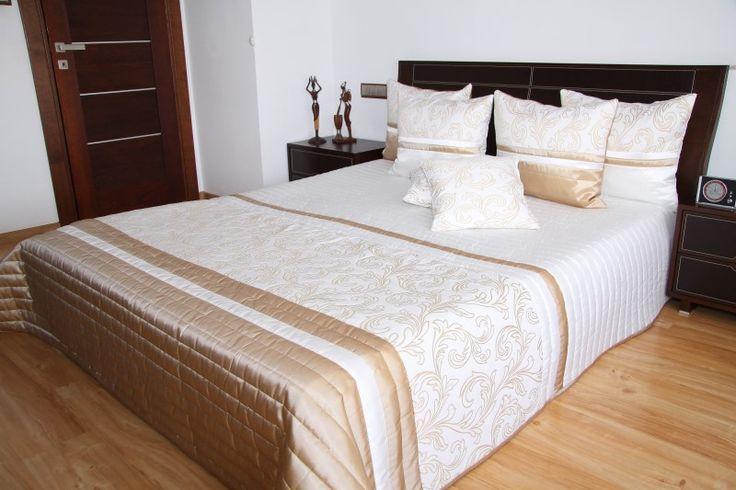 Prehoz na manželskú posteľ bielo kakaovej farby s prešívaním