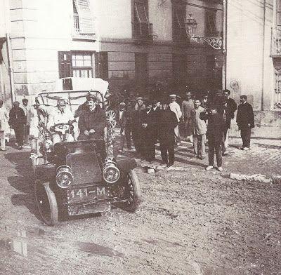 Primeros coches circulando por las calles de Alicante ~ Alicante Vivo
