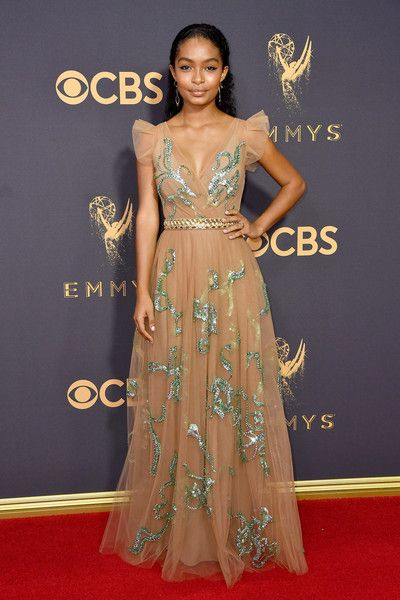 Yara Shahidi Photos Photos - Actor Yara Shahidi attends the 69th Annual Primetime Emmy Awards at Microsoft Theater on September 17, 2017 in Los Angeles, California. - 69th Annual Primetime Emmy Awards - Arrivals