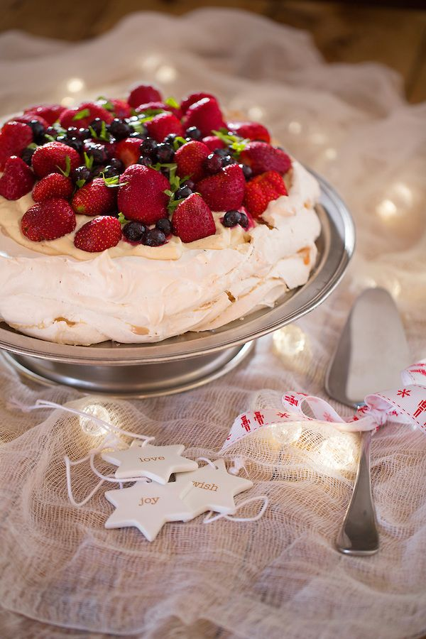 Merry Christmix Pavlova...did you download the ebook yet? #thermomix #tenina #recipe www.tenina.com/store