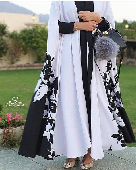 Again in store limited pieces . Abaya cape .