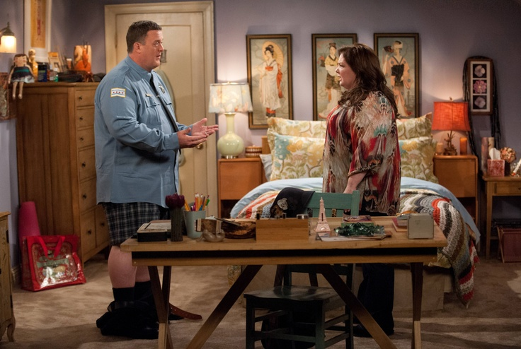 """Melissa McCarthy and Billy Gardell in Mike & Molly from """"Molly in the Middle"""""""