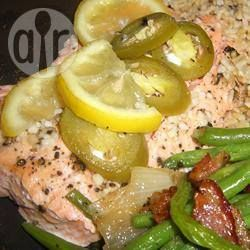 Foto recept: Gebakken forel pakketjes met chilipepers en citroen