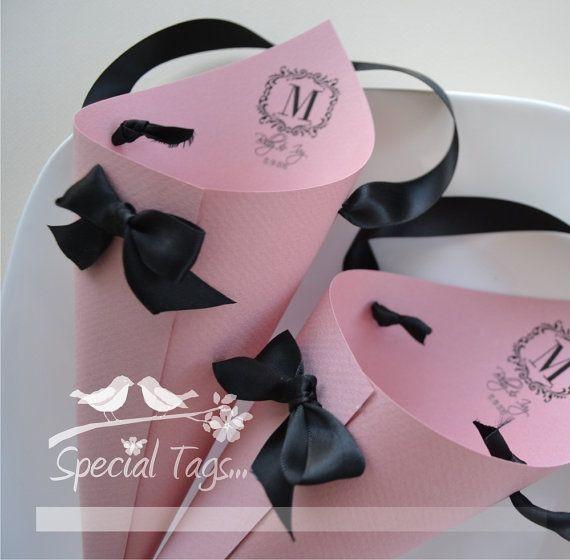 Articoli simili a Nozze coni di carta - Set di 16 - coni di caramelle - Confetti coni - cibo coni - matrimonio personalizzato coni su Etsy