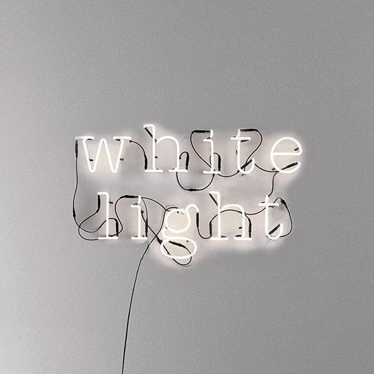 Die besten 25 leuchtschrift ideen auf pinterest neonzitate neon light und neon - Leuchtschrift wand ...