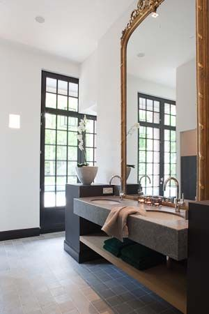 Stunning Architecture In This Bathroom
