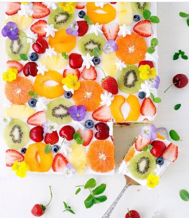 Bolo de frutas colorido!!! ❤️