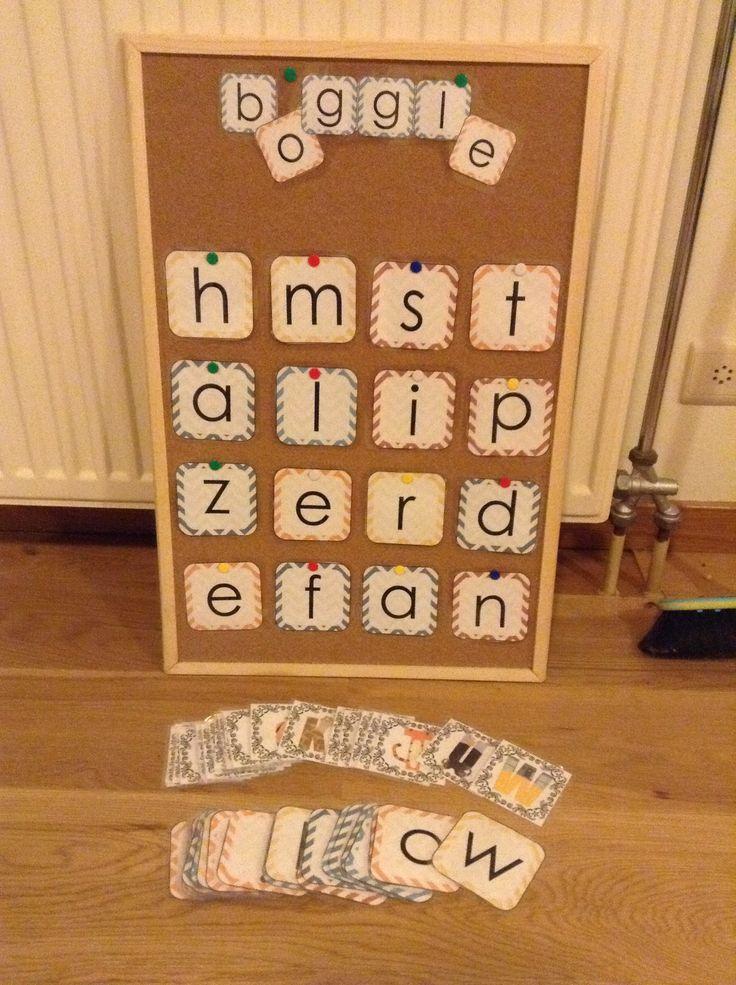 Mijn boggle bord... De letters die ik gebruikt heb zijn ook te vinden op dit pinterestbord! Om het spel spannender te maken gebruik ik ook 'superletters' deze zijn 1 punt meer waard!