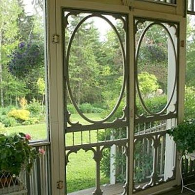 would love this entrance for a screened in porch
