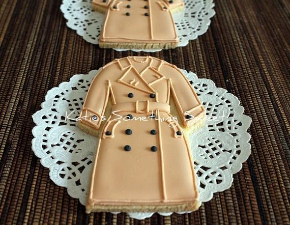 Trench coat cookies: Cookiesedible Burberry, Sugar Cookies, Classic Trench Coat, Coat Cookies, Burberry Cookiestrench, Cookiestrench Coat, Decorated Cookies, Burberry Cookies I, Trench Coats