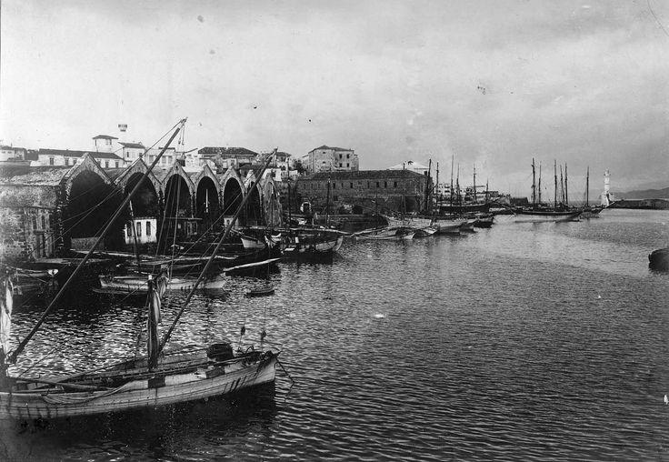 Χανιά, π.1909.Τα ενετικά νεώρια και μέρος του λιμανιού