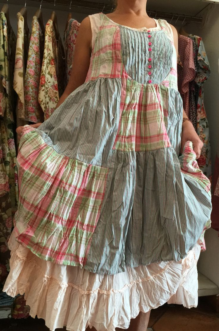 1653 best clothes inspiration frocks images on pinterest for Lampadaire style shabby