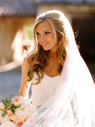 Resultado de imagem para maquiagem e penteados soltos para noivas