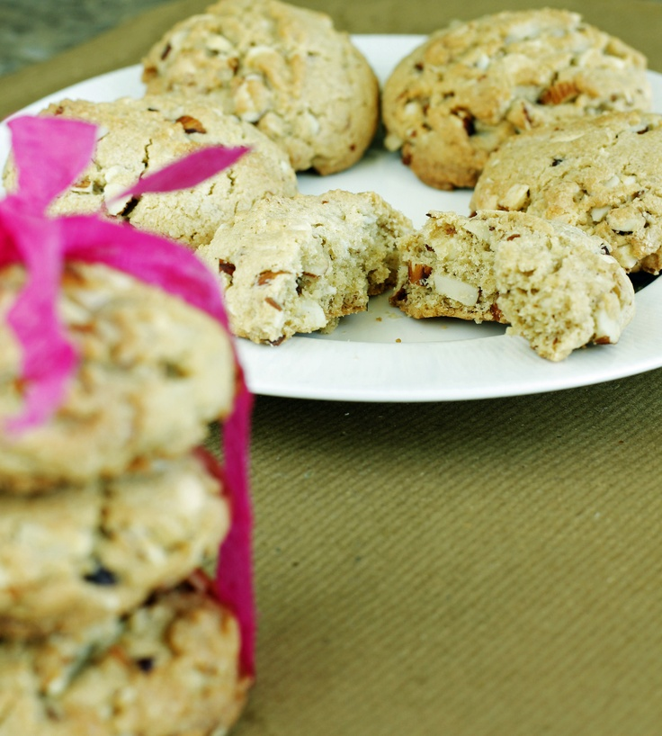 White Chocolate and Almond Cookies | Food n other stuff | Pinterest