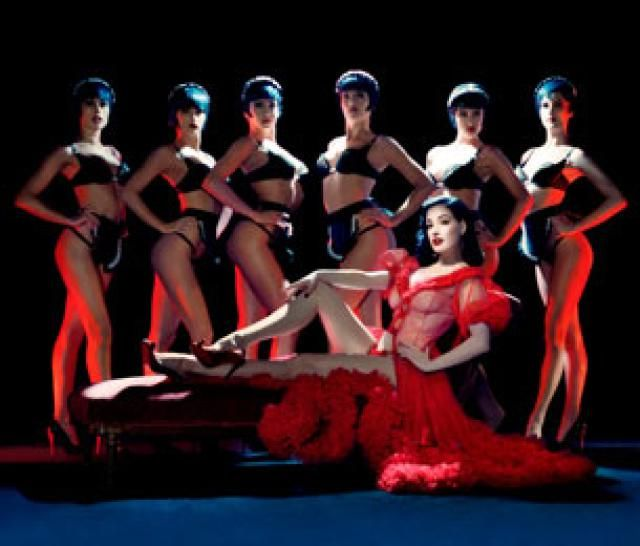 Top 5 Traditional Paris Cabarets: For Great Classic French Shows: Crazy Horse Paris