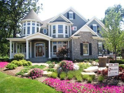 82 best traditional mansions images on pinterest dream for Big beautiful houses