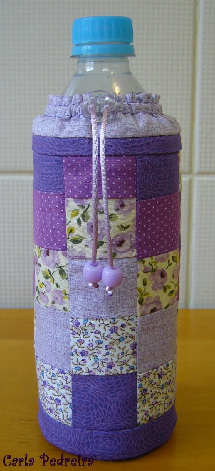 Crafts by Carla Pedreira: Porta garrafinha de água. Tá com sede?
