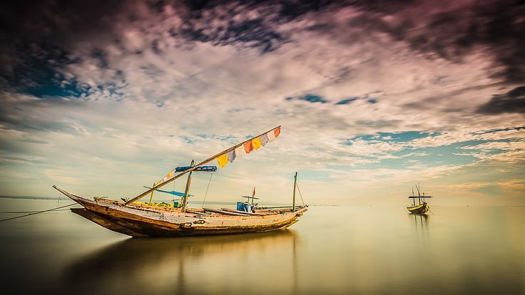 just old boat at kenjeran beach by Kun Riyanto on 500px