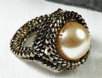 Utilize your tubular herringbone stitch skills to create Maria Teresa's beautiful beaded modern Medieval ring!