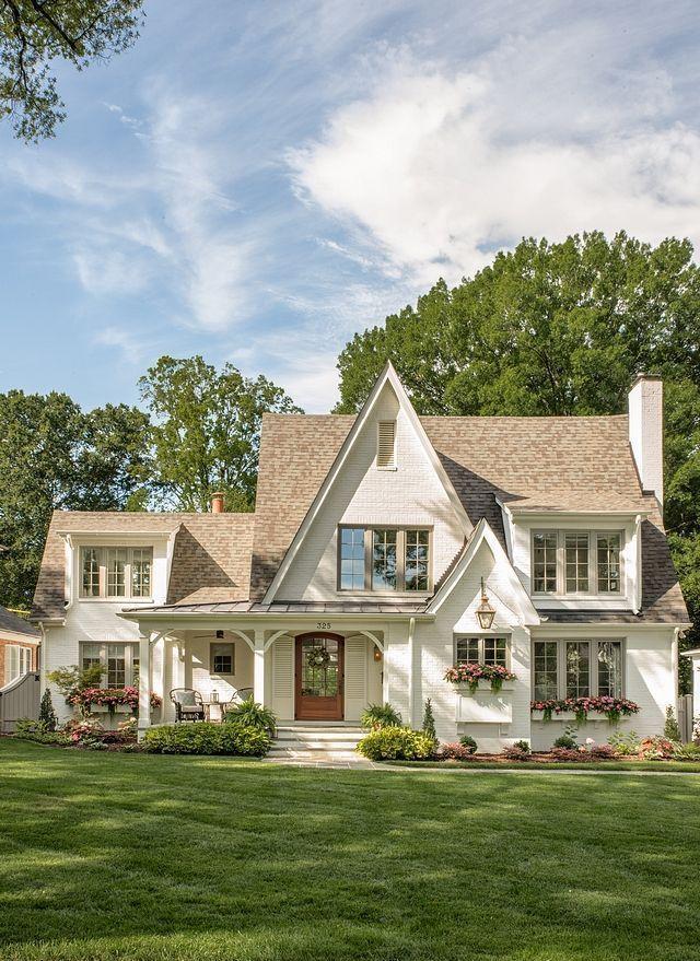 Painted Brick Cottage Home Bunch Interior Design Ideas Easyhomedecordiy Einfachewohnkultur Einfachewohnkultur In 2020 Backstein Hutte Haus Architektur Hauswand