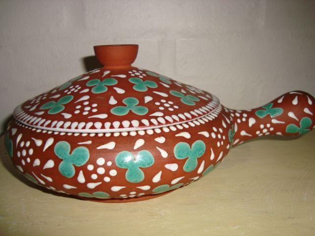ZEUTHEN sildeskål/herring bowl. År/year 1940-50s. #ZEUTHEN #sildeskål #herringbowl #keramik #ceramics #pottery #danishdesign #nordicdesign #klitgaarden #sælges #forsale on www.klitgaarden.net.
