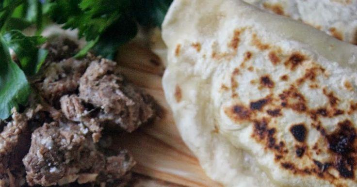 NESRiN`S KÜCHE: Kavurmalı Ekmek / mit Fleisch gefüllte Pfannenbrot