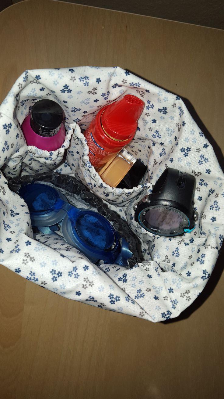 Woche 4  - Waschtasche  bei mir für Schwimmbrille, Schwimmuhr, Ohrenstöpsel, Duschbad.. Die perfekte Schwimmerinnentasche