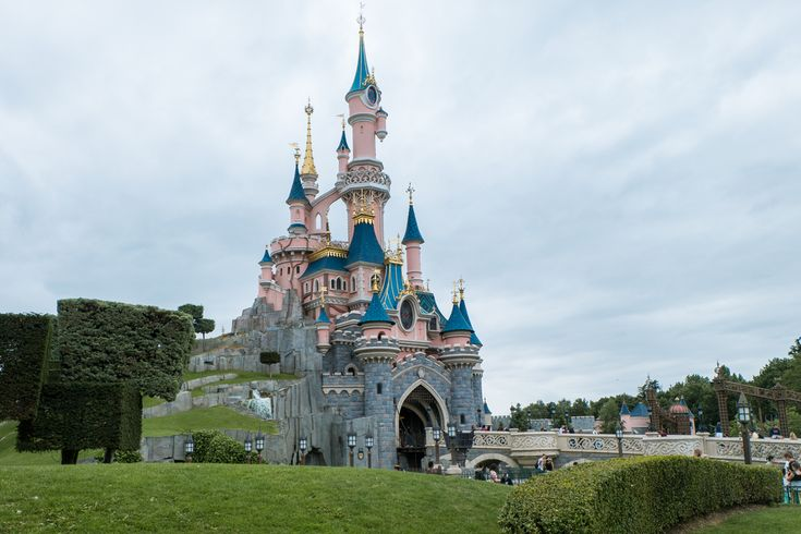 Google Maps Helps Travel Agents Sell Disney   Pakistan Time Travel agents are always looking to give their clients a taste of what they can expect on vacation, andGoogle Mapsis here to help. Selling Disney is an important part of any travel agent's repertoire, and now they will be able to showcase