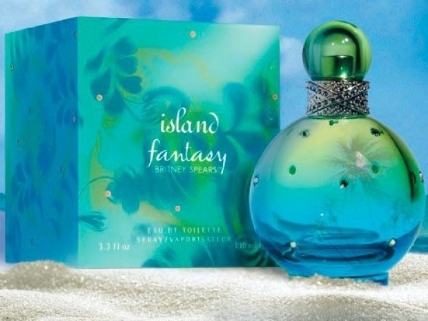 Britney Spears latest edition to her Fantasy range. Can't wait till it hits our shores! want want want!