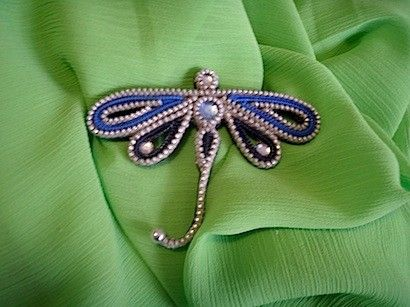 Zipper dragonfly pin