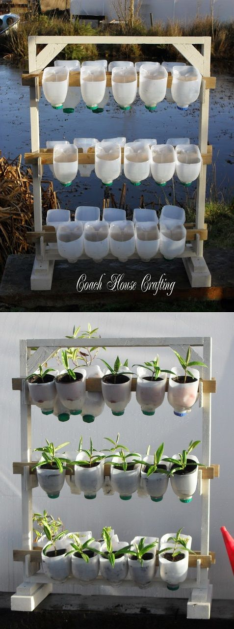 Vertical Garden Using Plastic Milk Bottles...http://alternative-energy-gardning.blogspot.com/2013/03/vertical-garden-using-plastic-milk.html Para exponer flores artificiales en una tienda, utilizar cubos de metal