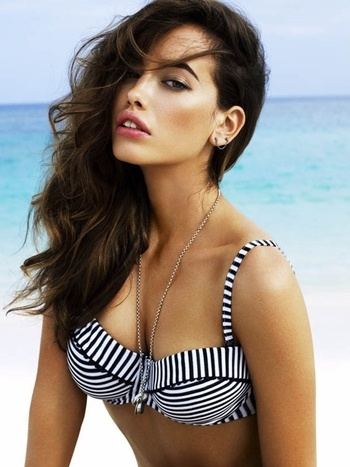 Pin UP bikini by Seafolly Swimwear at Pesca Trend. Bustier Top offers underwire for support with built in soft cups. Also Adjustable shoulder straps and a clasp closure at back. bottom has full cover in back . Made in Australia of 87% Nylon & 13% Elastane by Seafolly Swimwear.