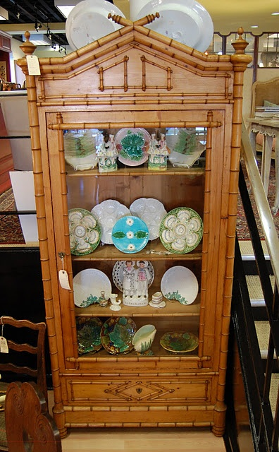 Love the faux bamboo cabinet!~