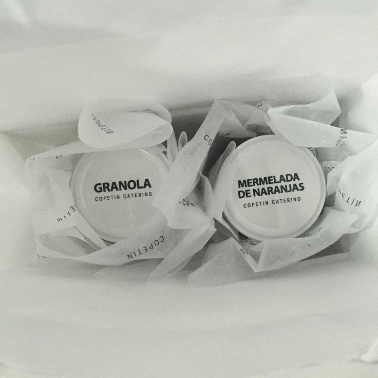 Granola y mermelada