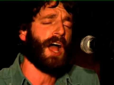 Ray LaMontagne - Trouble (Live Acoustic) Man this never fails to make my day.