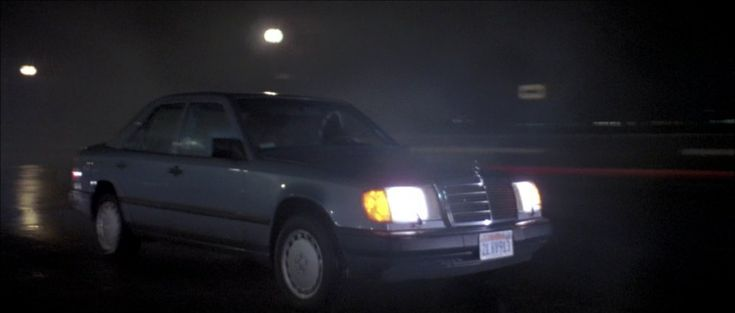 1988 Mercedes-Benz 300 E in Shoot to Kill (1988)