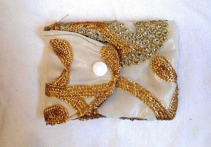 Kamera Handy Tasche Gold, Hochzeit, Fest, Braut von Prinzessinnen-Schneiderey auf DaWanda.com