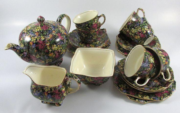 """""""Black Crocus"""" Tea Set"""